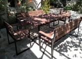 ეზოს სკამები და მაგიდა